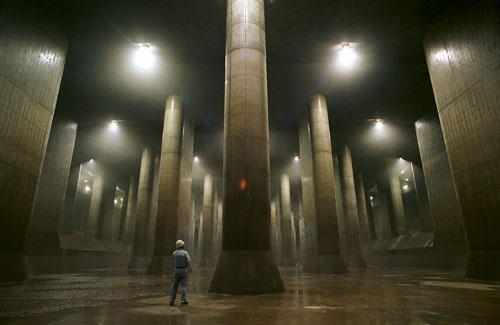 Tokyo flood tunnels – water tank