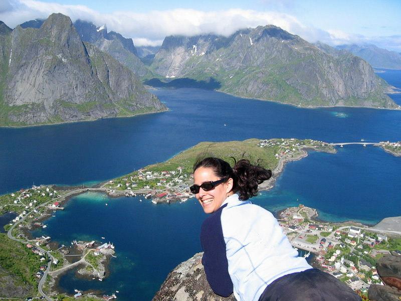 On the top of the Reinebringen bluff
