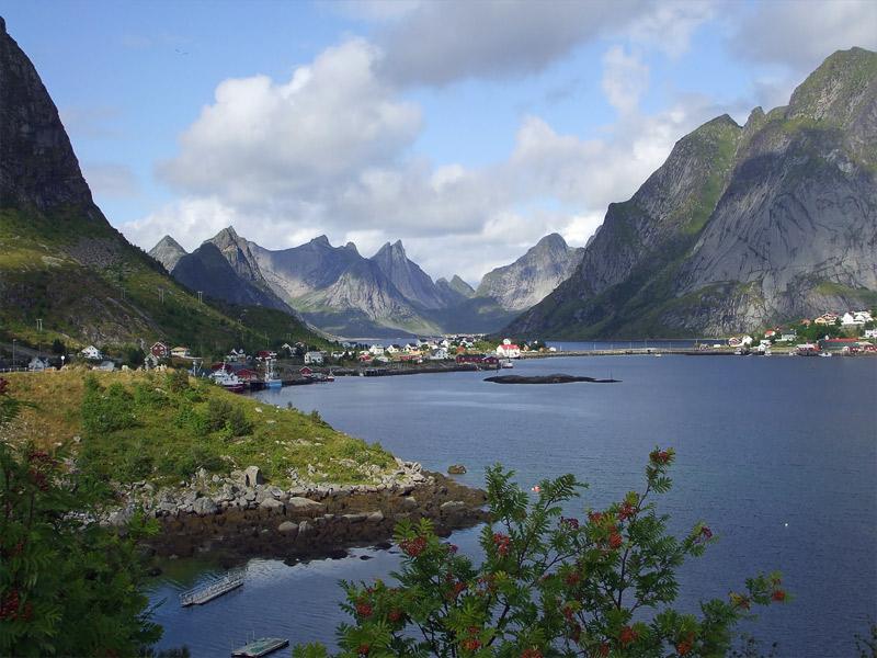 Summer view on the Reine village