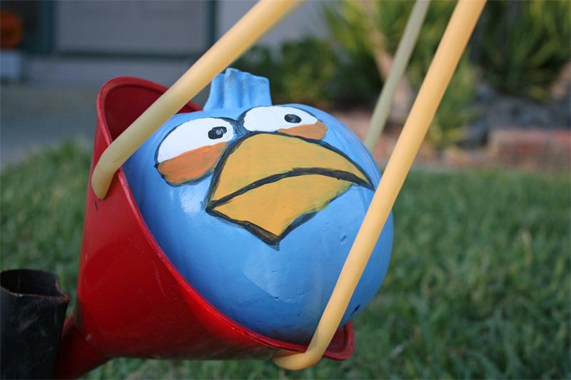 1. Angry Birds pumpkin