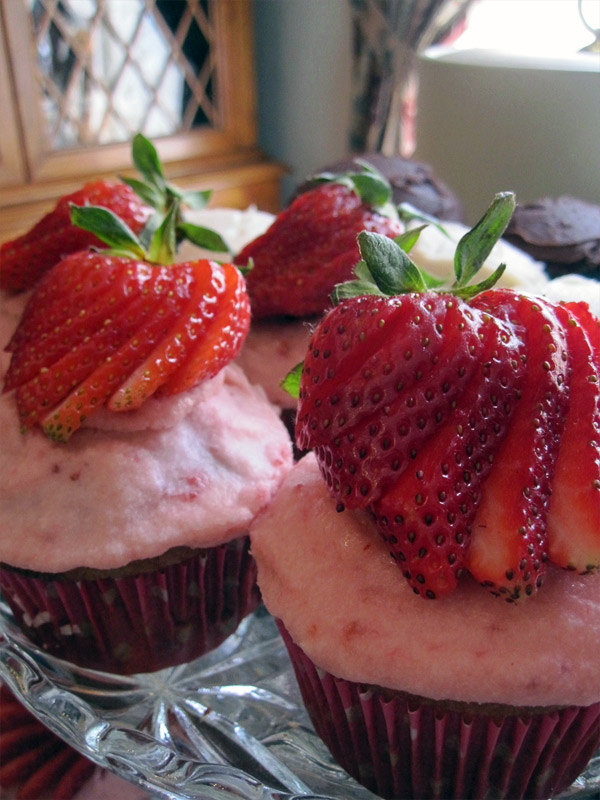 18. Strawberry cupcakes