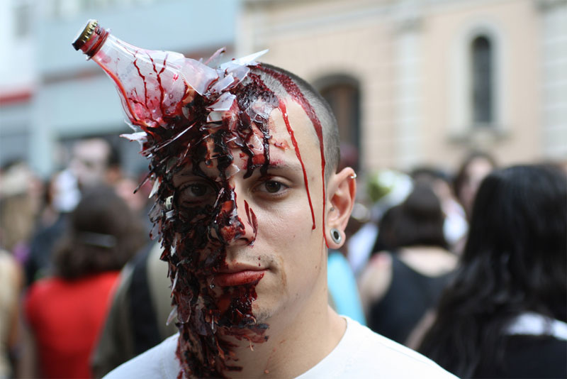 13. Bottle to the head makeup at the São Paolo 2010 Zombie Walk shot by William Droops