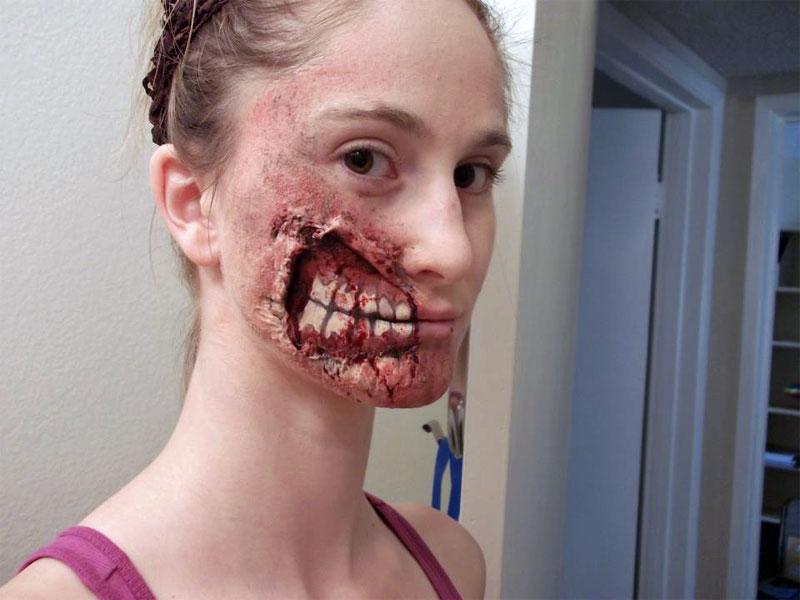 20. Half face zombie makeup