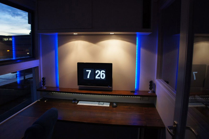 17. Theatrically looking home office desk