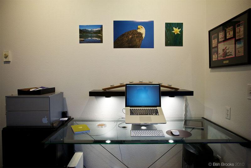 4. Mac zen home office. Photo by Ben Brooks