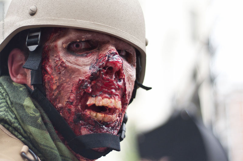8. Military zombie makeup and costume. Madrid 2011. Photo bu Zumito
