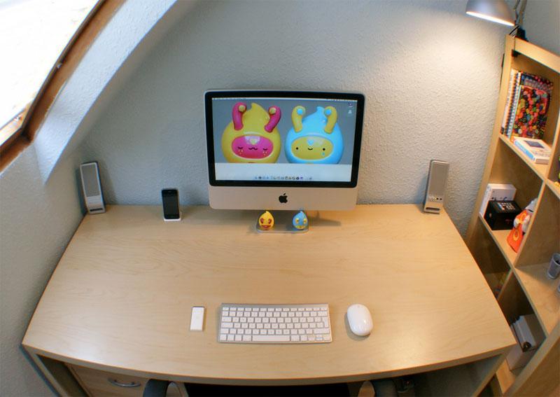 10. Minimalist iMac setup