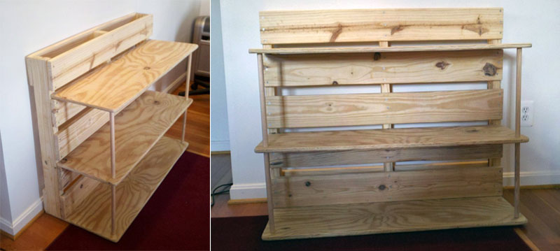 4. The bookshelf made of the wooden pallet