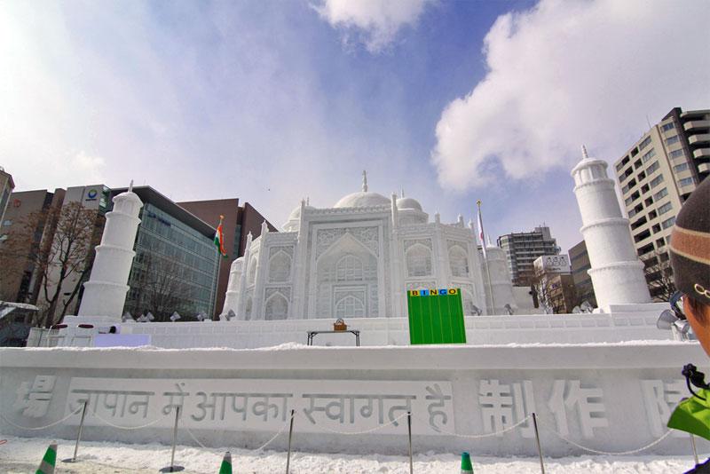 9. Taj Mahal built entirely of snow