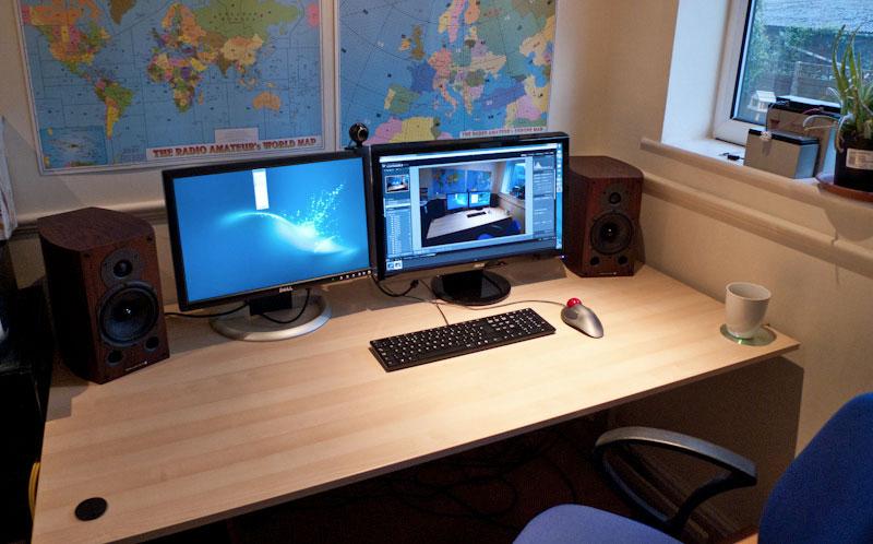 1. Spacious desk home office