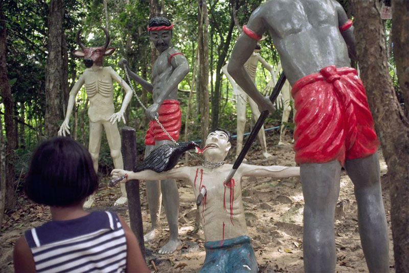 1. Statues depicting torture by the spears and the raven in the Hell Garden park in Bangkok