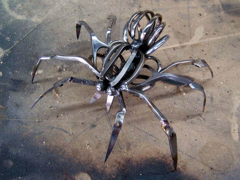 Scissors spider by Christopher Locke