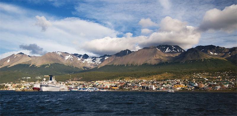 1. Ushuaia, Isla Grande, Tierra del Fuego, Argentina. Photo by David, www.atexaninargentina.blogspot.com