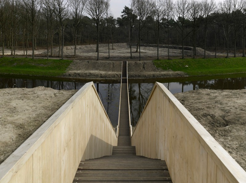 Moses-Bridge-Netherlands_01