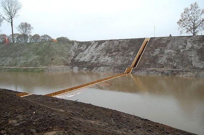 Moses-Bridge-Netherlands_02