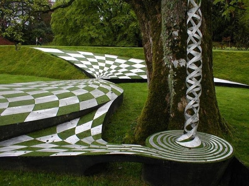 The Garden of Cosmic Speculation_07
