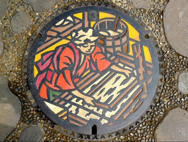 manhole9