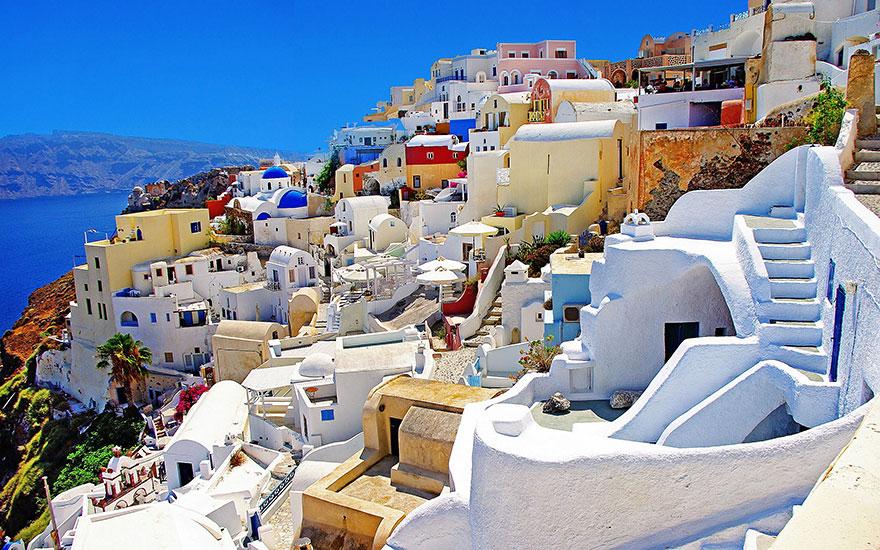 Landmarks and surroundings