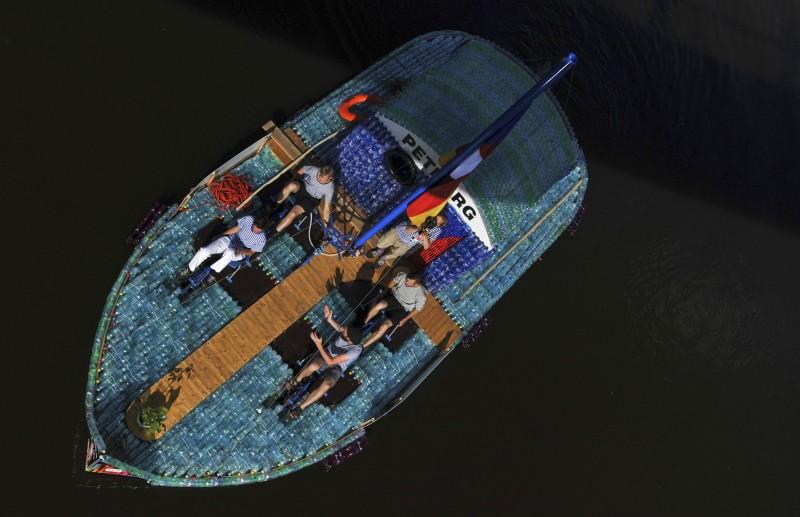 plastic_boat_8