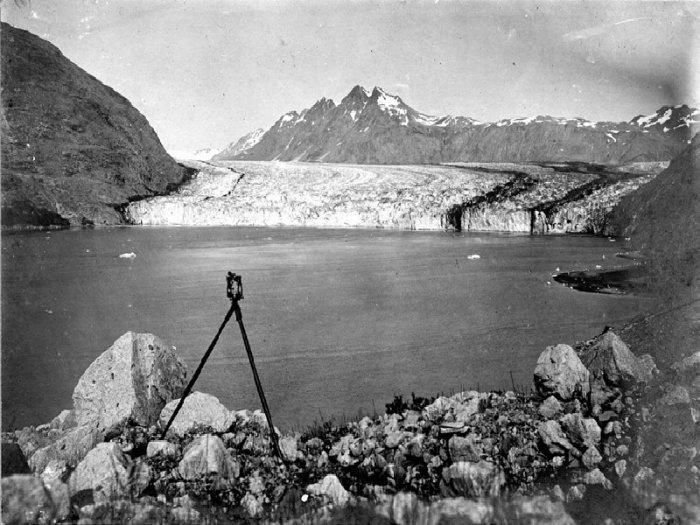 Carroll Glacier, Alaska. 1906 year.