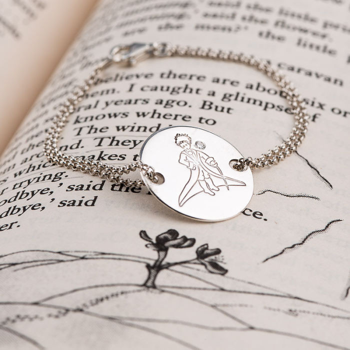 30 amazing jewelry created by the books