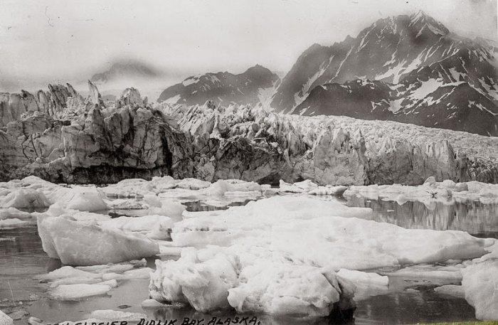 Pedersen Glacier, Alaska. 1930 - 2005 years