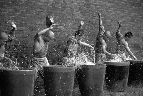 Shaolin-Monks-Training-09