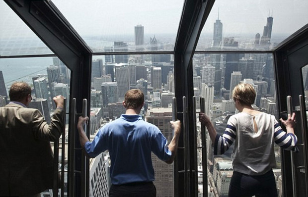 The new attraction for brave tourists in Chicago
