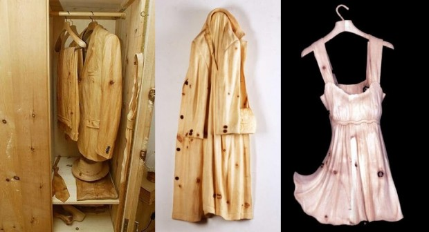 Venetian artist creates the world out of a wood