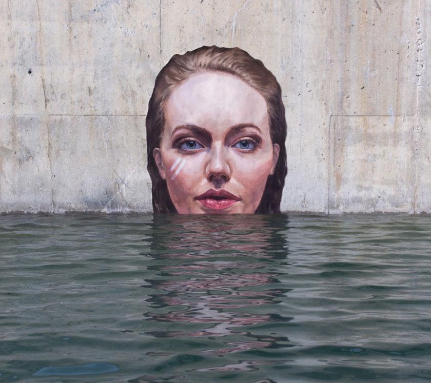 Women under water