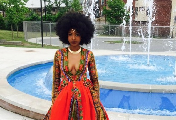 Girl sewed an incredibly beautiful dress for prom and amazed the Internet