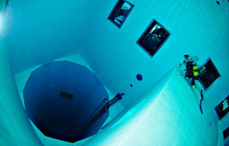 Nemo-33 the deepest swimming pool in the world
