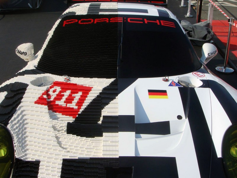 Porsche 911 RSR made of Lego