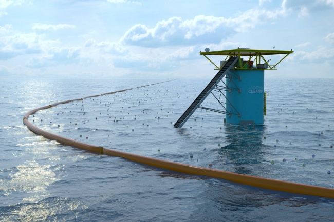 Student invented first system of cleaning the oceans
