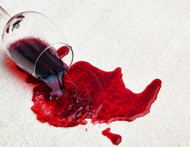 15. Art hidden in poured wine