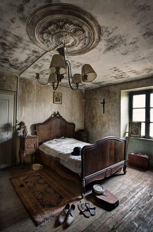 The creepy beauty of abandoned houses. Part 2